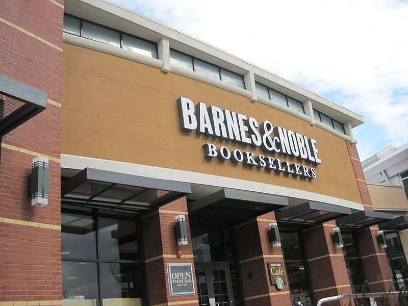 Picture of the exterior of a Barnes & Noble Booksellers
