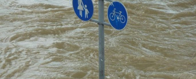 High water warning sign