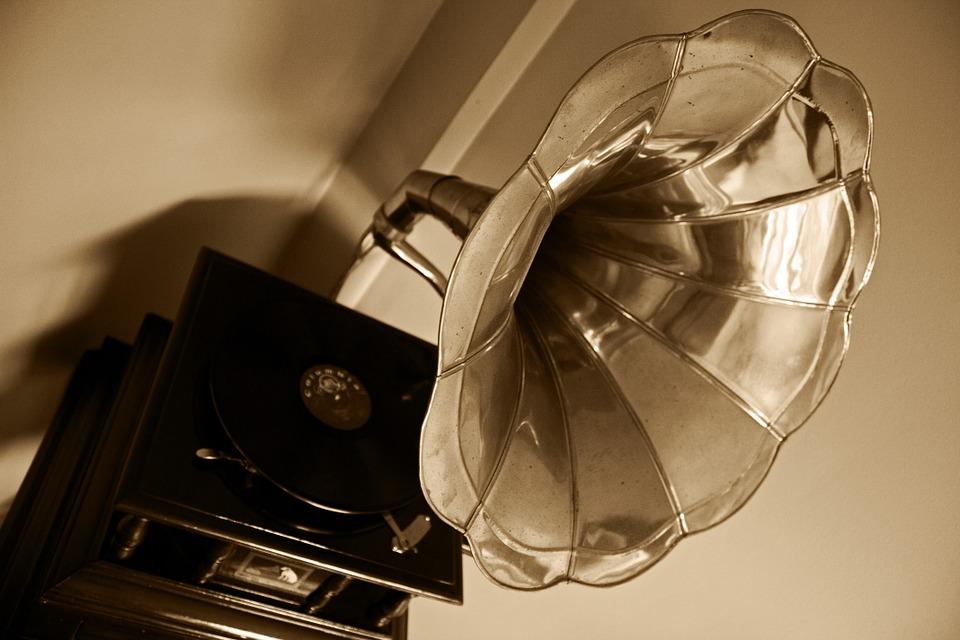 gramophone-63753_960_720