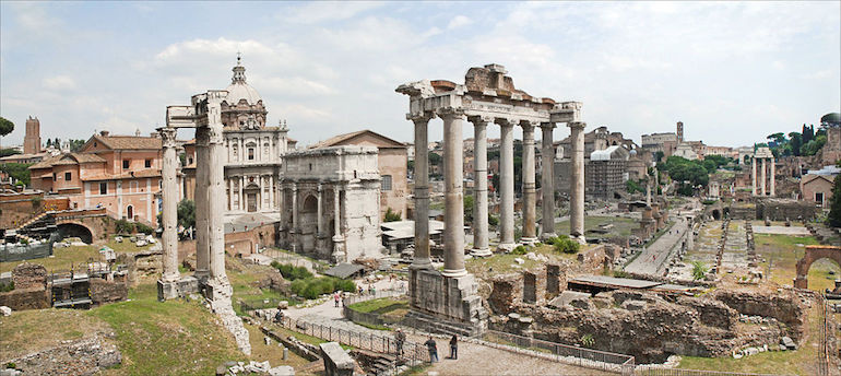 Picture of the ruins of ancient Rome.