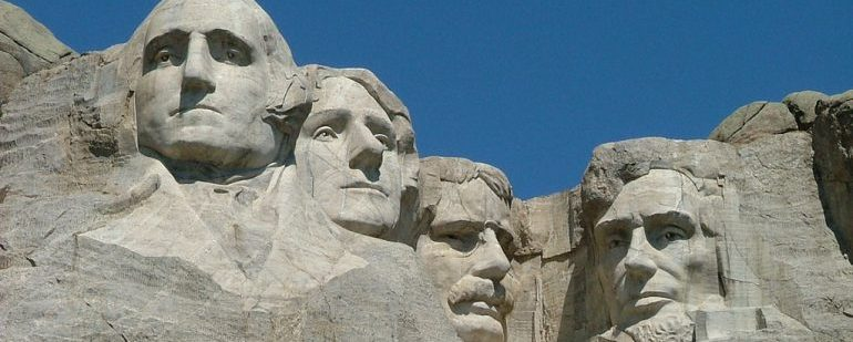Picture of Mount Rushmore.