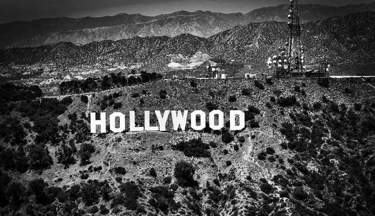 Black and white picture of the Hollywood sign.
