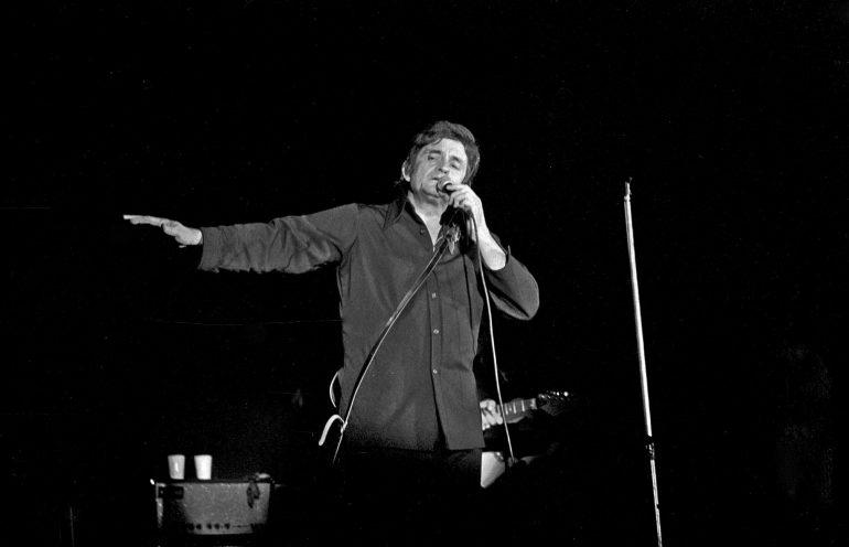 Johnny Cash on stage, 1972