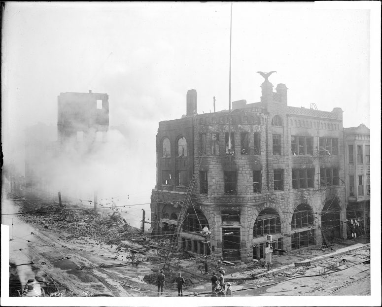 Photograph of the Los Angeles Times building, after the bombing disaster on October 1, 1910.