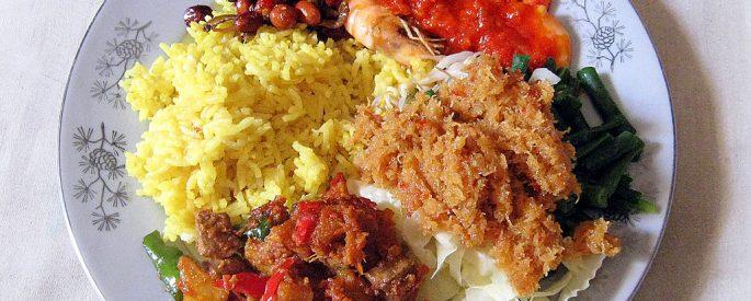 A plate of nasi kuning ibu sulastri