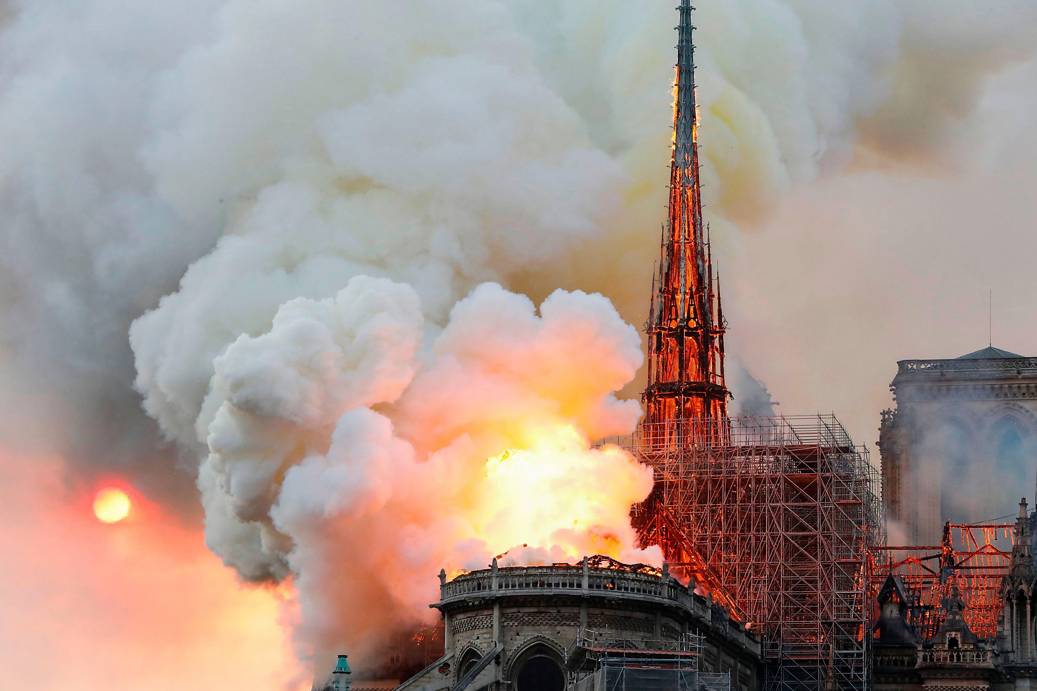 photo of the Notre Dame fire